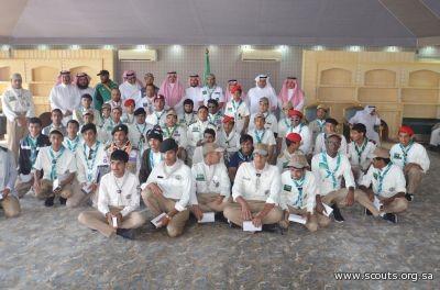 تعليم عسير يٌكرم المشاركين في معسكرات خدمة الحجاج 1436هـ